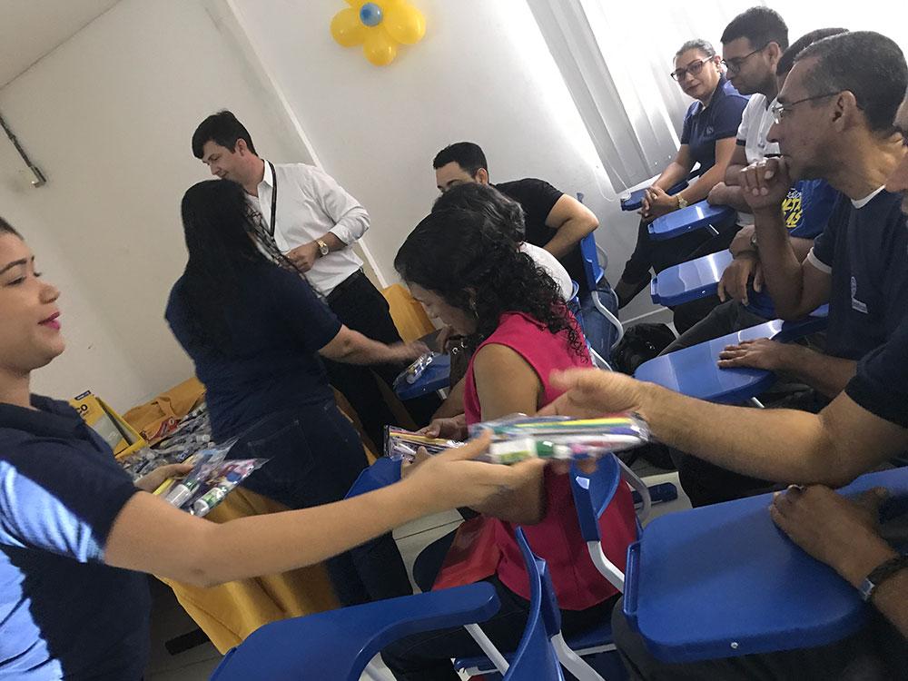 Colaboradores recebem treinamento da BIC